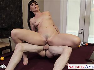 sweetie housewife Dana DeArmond gets facialized in point of view