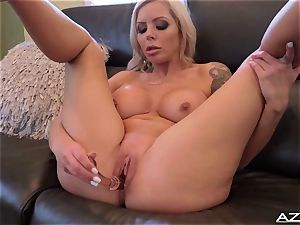 Nina Elle fake penises her cunny till she reaches climax