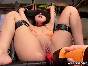 asian blower got her huge fuckbox oiled and played