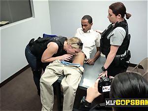 Officers make lean criminal ravage their poons at police