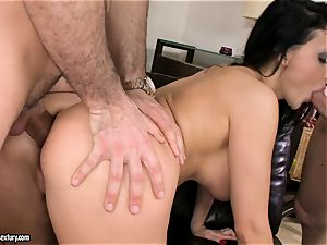 Aletta Ocean jizm on face after a delicious 3 way