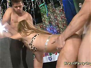 brazilian samba groupsex soiree bang-out