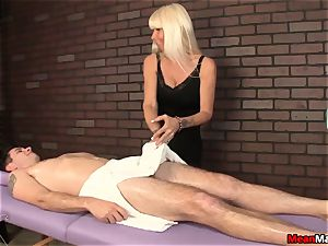 blond masseur Agrees To lollipop rubdown On Her Terms