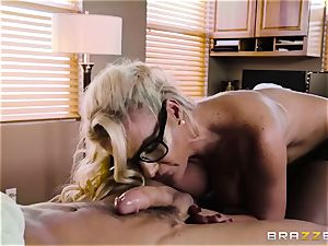 Mature doc Phoenix Marie knows finer what is needs for your chisel