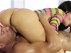 erotic massage from a stellar buxom stunner Jasmine Jae