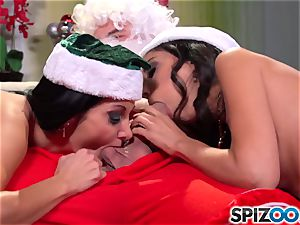 Spizoo - Ava Addams and Trinity ravages Santa's humungous meatpipe