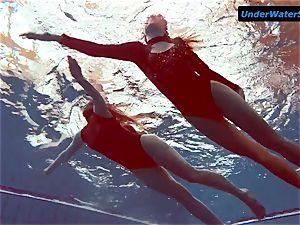 2 super hot teens underwater