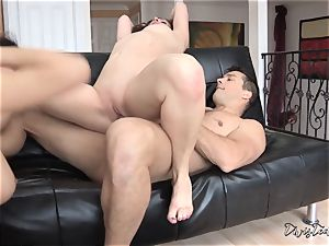 jizz swapping act with Sovereign Syre and Valentina Nappi