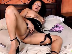 LatinChili torrid mexican Matures Solo Compilation