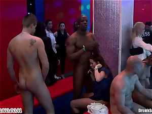 Mass porno bang-out in a striptease bar