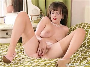 brown-haired unwraps down to rare retro nylons frigs beaver