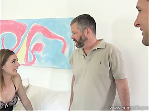 Mona Wales Turns Her spouse Into flawless sausage dicksucker