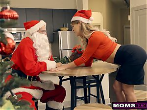 Santa's super-naughty Helpers In Christmas threesome S9:E7