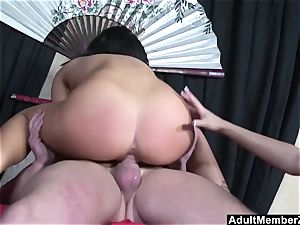 lucky boy threeway with asian mistresses