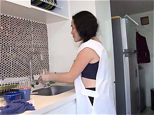 OPERACION LIMPIEZA - Latina maid greased up and penetrated