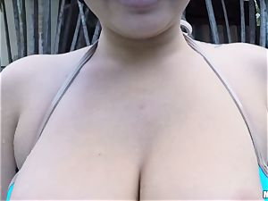 Karlee Grey loses her bathing suit to pummel her bf