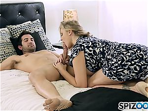 goddess of mummies Julia Ann flashes this youthful guy how it's done