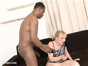grandma porno aged dame Takes facial cum shot Gets fucked