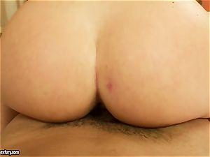 marvelous Kathia Nobili deep gullets a large chisel