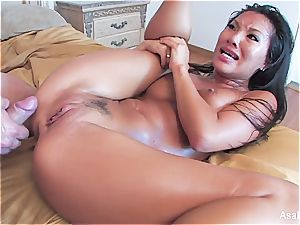 beauty Asa Akira deep throating and catapulting hefty pecker