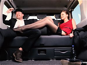 boned IN TRAFFIC - british Tina Kay screwed in the car