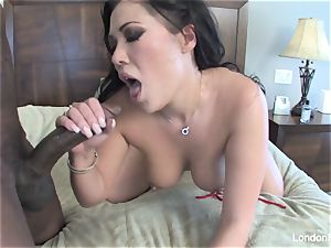 London Keyes takes some black shaft on her rump