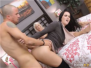 Riley Jenner and Bianca Breeze rectal threesome