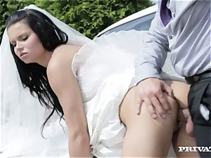 filthy bride takes her chauffeur's pecker before her wedding