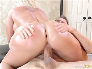 Leya Falcon cheats with her giant dicked massagist