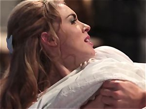 Keira Nicole takes a manmeat battering in this jaw-dropping parody