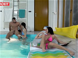 LETSDOEIT - sonny humps StepMom And step-sister At The Pool