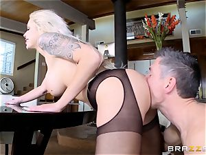 Flyby visit turns to fucking for Nina Elle