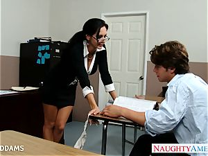 schoolteacher in glasses Ava Addams gets gigantic cupcakes pulverized