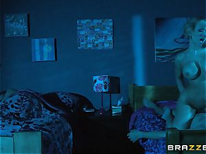 Kagney Linn Karter shares her dude with Brooklyn haunt